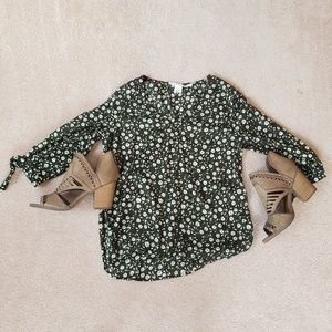 H&M floral mid sleeve top